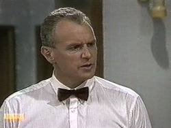 Jim Robinson in Neighbours Episode 0732