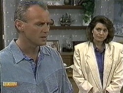 Jim Robinson, Beverly Marshall in Neighbours Episode 0732