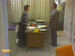 Gail Robinson, Ian Chadwick in Neighbours Episode 0751