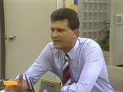 Des Clarke in Neighbours Episode 0757