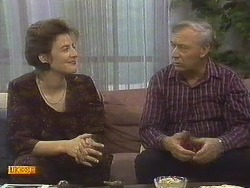 Gail Robinson, Rob Lewis in Neighbours Episode 0757