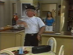 Lou Carpenter, Beth Brennan in Neighbours Episode 1836