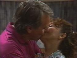 Doug Willis, Pam Willis in Neighbours Episode 1836