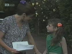 Julie Robinson, Hannah Martin in Neighbours Episode 1838