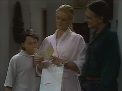 Toby Mangel, Phoebe Bright, Tom Merrick in Neighbours Episode 1839