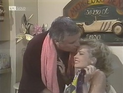 Lou Carpenter, Annalise Hartman in Neighbours Episode 1842