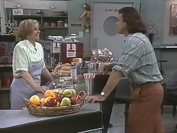Cathy Alessi, Wayne Duncan in Neighbours Episode 1845
