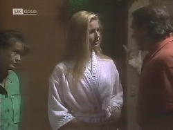 Pam Willis, Phoebe Bright, Doug Willis in Neighbours Episode 1846