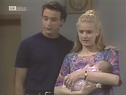 Stephen Gottlieb, Phoebe Bright, Hope Gottlieb  in Neighbours Episode 1847