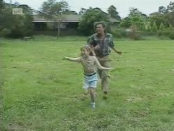Hannah Martin, Wayne Duncan in Neighbours Episode 1850