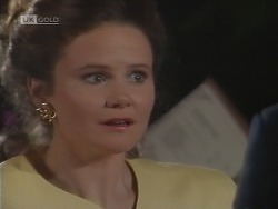 Julie Robinson in Neighbours Episode 1850