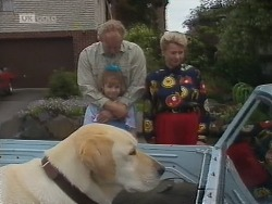 Bouncer, Jim Robinson, Hannah Martin, Helen Daniels in Neighbours Episode 1850