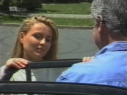 Lauren Turner, Lou Carpenter in Neighbours Episode 1856