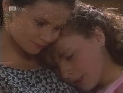 Julie Robinson, Debbie Martin in Neighbours Episode 1856