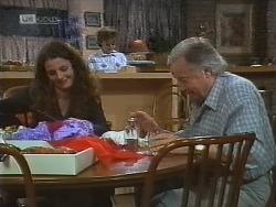 Gaby Willis, Pam Willis, Bert Willis in Neighbours Episode 1858