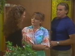 Gaby Willis, Pam Willis, Doug Willis in Neighbours Episode 1859