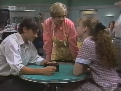 Rick Alessi, Cathy Alessi, Debbie Martin in Neighbours Episode 1859