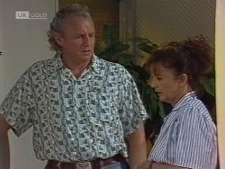 Jim Robinson, Pam Willis in Neighbours Episode 1861