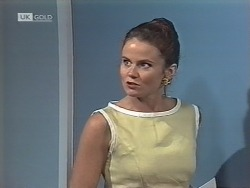 Julie Robinson in Neighbours Episode 1863