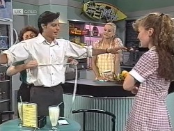 Margaret Alessi, Rick Alessi, Phoebe Bright, Debbie Martin in Neighbours Episode 1863