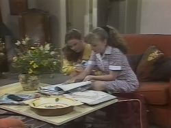 Julie Robinson, Debbie Martin in Neighbours Episode 1865