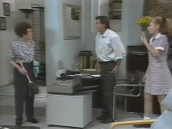 Margaret Alessi, Rick Alessi, Debbie Martin in Neighbours Episode 1865