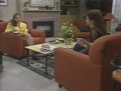 Julie Robinson, Gaby Willis in Neighbours Episode 1865