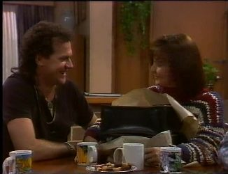 Dave Gottlieb, Pam Willis in Neighbours Episode 2200