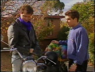 Dave Gottlieb, Mark Gottlieb in Neighbours Episode 2200