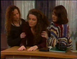Cody Willis, Gaby Willis, Pam Willis in Neighbours Episode 2201