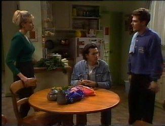 Annalise Hartman, Sam Kratz, Mark Gottlieb in Neighbours Episode 2201