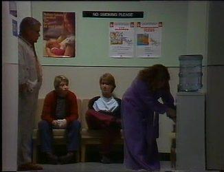 Lou Carpenter, Danni Stark, Brett Stark in Neighbours Episode 2201