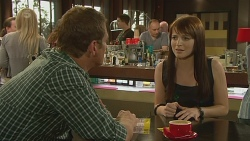 Michael Williams, Summer Hoyland in Neighbours Episode 6347