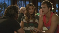 Lucas Fitzgerald, Jade Mitchell, Kyle Canning in Neighbours Episode 6349