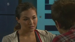 Jade Mitchell, Kyle Canning in Neighbours Episode 6351