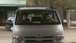 Chris Pappas, Natasha Williams in Neighbours Episode 6352