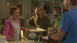 Susan Kennedy, Sonya Mitchell, Toadie Rebecchi in Neighbours Episode 6354