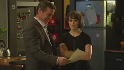 Paul Robinson, Sophie Ramsay in Neighbours Episode 6354