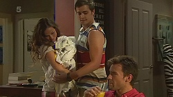 Jade Mitchell, Kyle Canning, Rhys Lawson in Neighbours Episode 6355