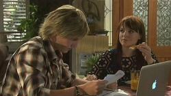 Andrew Robinson, Summer Hoyland in Neighbours Episode 6355