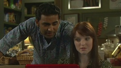 Ajay Kapoor, Summer Hoyland in Neighbours Episode 6359