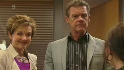 Susan Kennedy, Paul Robinson, Summer Hoyland in Neighbours Episode 6360