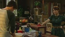 Chris Pappas, Summer Hoyland in Neighbours Episode 6361