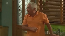 Lou Carpenter in Neighbours Episode 6369