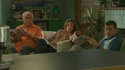 Lou Carpenter, Sonya Mitchell, Toadie Rebecchi in Neighbours Episode 6369
