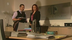 Toadie Rebecchi, Charlotte McKemmie in Neighbours Episode 6369