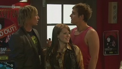 Andrew Robinson, Summer Hoyland, Kyle Canning in Neighbours Episode 6370