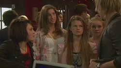 Sophie Ramsay, Claudia Howard, Andrew Robinson in Neighbours Episode 6370