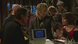 Paul Robinson, Andrew Robinson, Sophie Ramsay in Neighbours Episode 6371