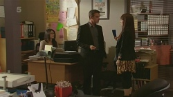 Paul Robinson, Summer Hoyland in Neighbours Episode 6371